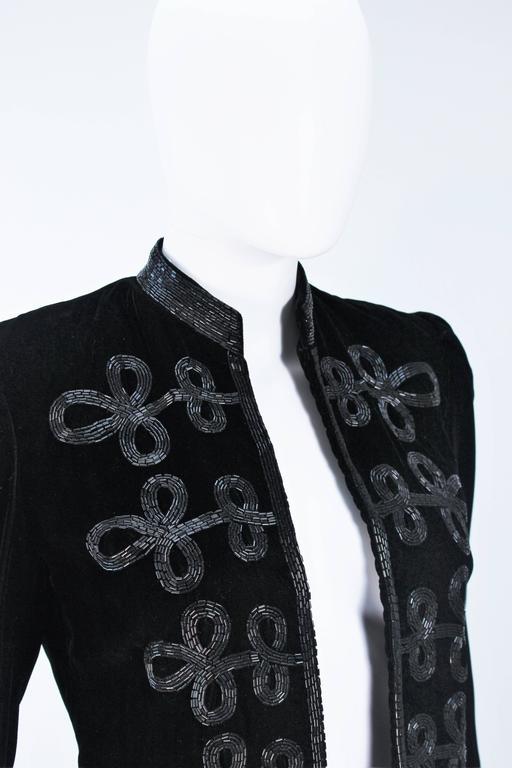 OSCAR DE LA RENTA Black Velvet Beaded Jacket Size 4 5