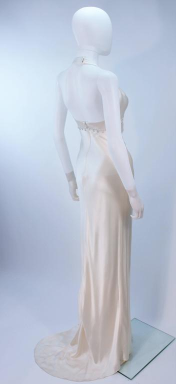 MONIQUE LHUILLIER White Silk Wedding Gown with Halter & Rhinestones Size 6-8 In Excellent Condition For Sale In Los Angeles, CA