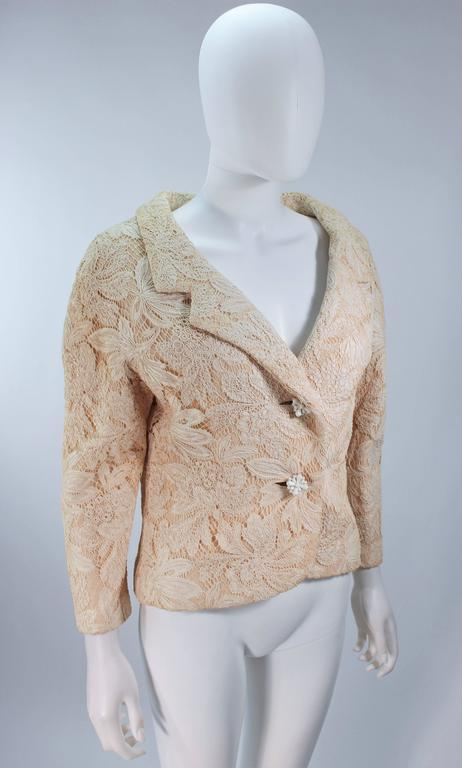 GALANOS Antique Cream Floral Lace Jacket Size 6-8 In Excellent Condition For Sale In Los Angeles, CA