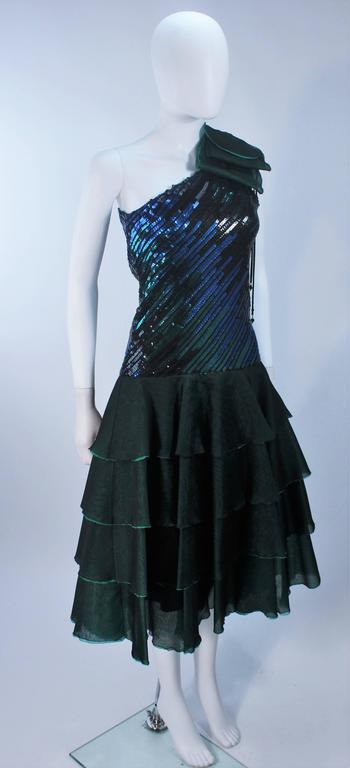 Women's Iridescent Emerald Green Sequin Cocktail Dress Size 6-8 For Sale