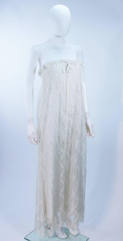 BILL BLASS White Lace Strapless Dress Size 6 4
