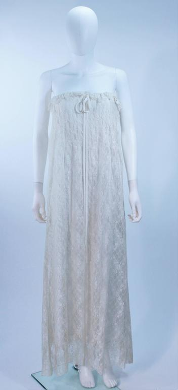 BILL BLASS White Lace Strapless Dress Size 6 2