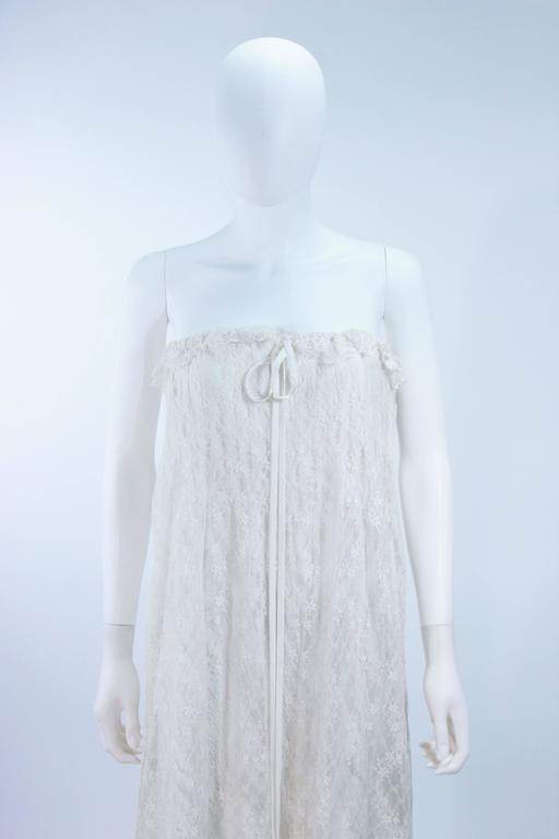 BILL BLASS White Lace Strapless Dress Size 6 3