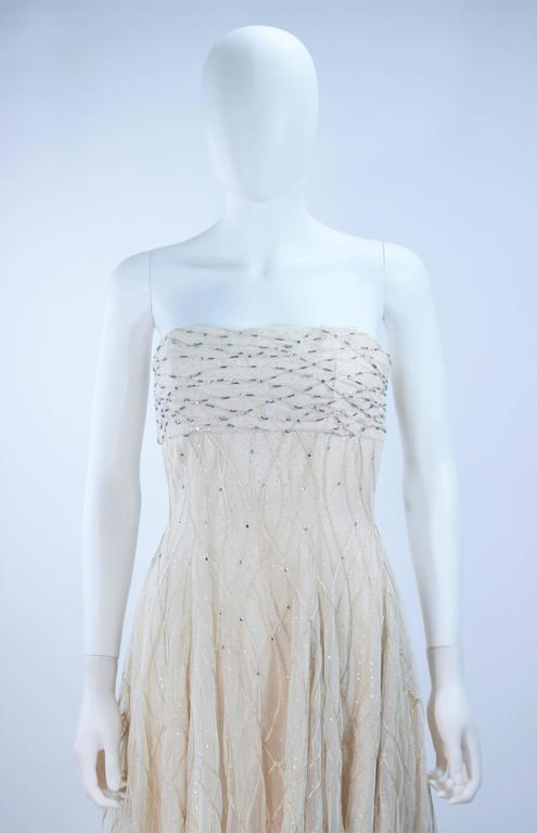 Women's VICTOR COSTA Off White Iridescent Strapless Beaded Gown Size 2 4 For Sale