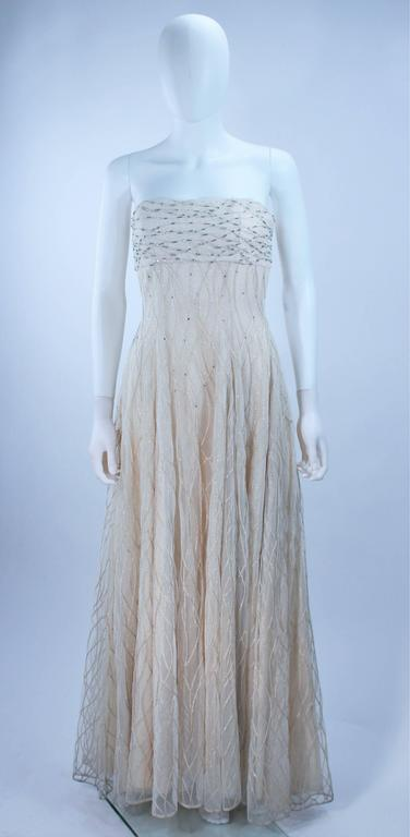 VICTOR COSTA Off White Iridescent Strapless Beaded Gown Size 2 4 In Excellent Condition For Sale In Los Angeles, CA