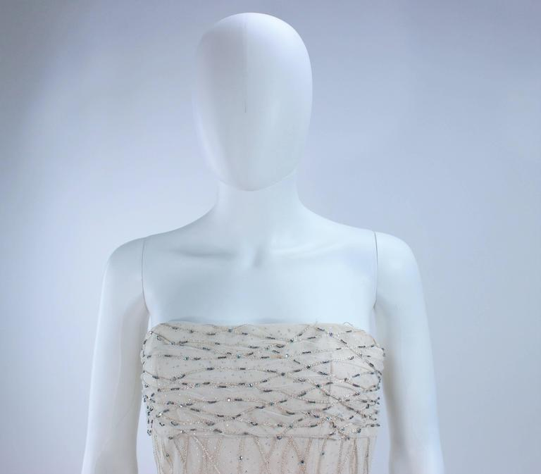 VICTOR COSTA Off White Iridescent Strapless Beaded Gown Size 2 4 For Sale 3