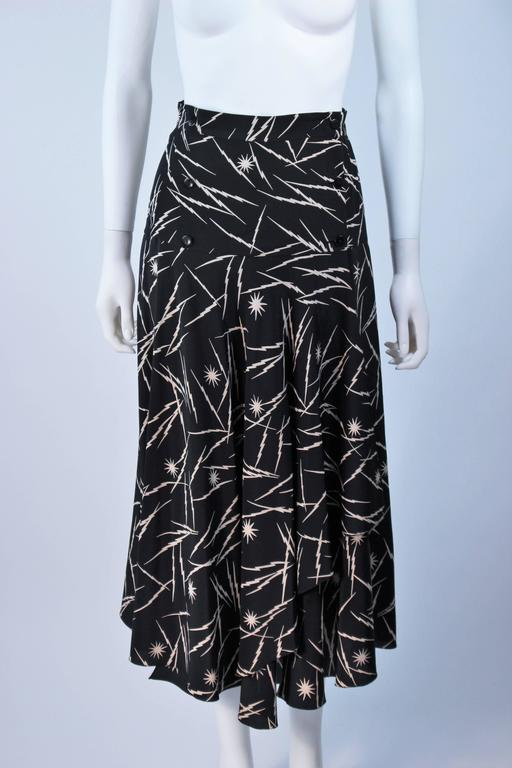 KRIZIA Electrified Black Silk Print Draped Wrap Skirt Size 2 4 In Excellent Condition For Sale In Los Angeles, CA
