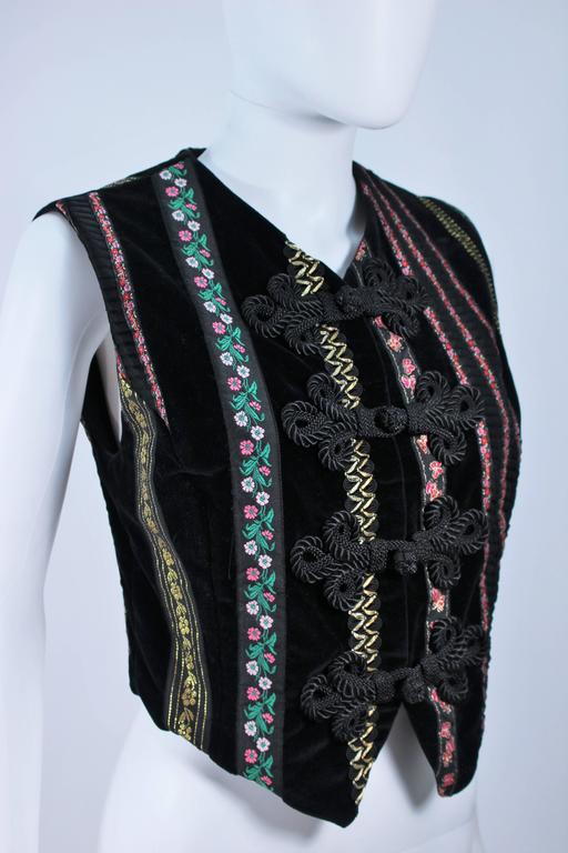 Women's DOLCE & GABBANA Velvet Vest with Trim Size Small For Sale