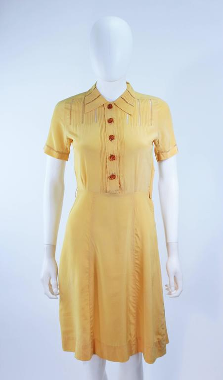 Vintage 1940's Yellow Silk Dress with Lace Inserts Size 2 In Excellent Condition For Sale In Los Angeles, CA