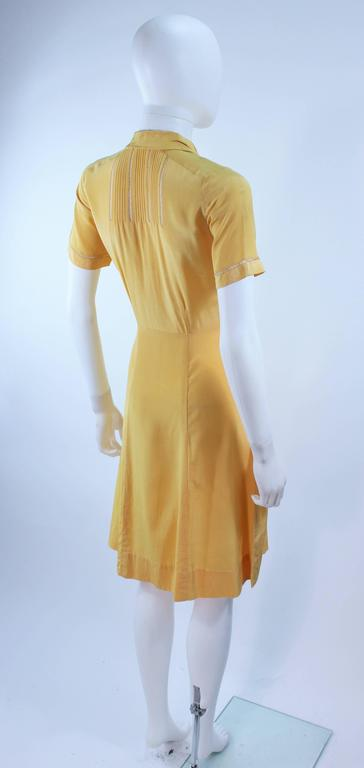 Vintage 1940's Yellow Silk Dress with Lace Inserts Size 2 For Sale 5