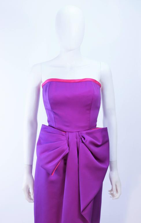 VICTOR COSTA Purple and Magenta Draped Bow Gown Size 8 10 In Excellent Condition For Sale In Los Angeles, CA