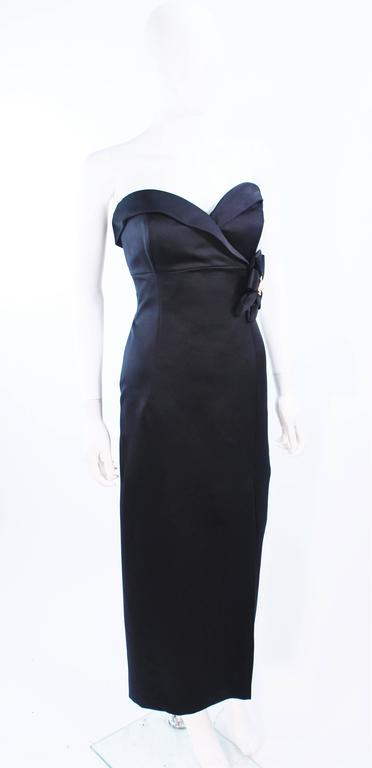 VICTOR COSTA Black Satin Gown with Side Bow Detail Size 6 8 For Sale 1