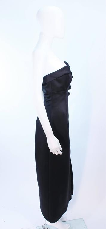 VICTOR COSTA Black Satin Gown with Side Bow Detail Size 6 8 For Sale 4