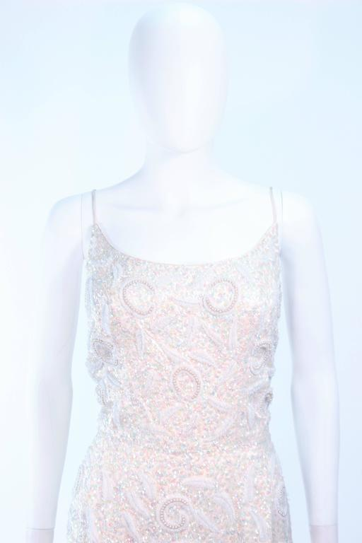 SWEE LO HAUTE COUTURE INTERNATIONAL Ivory Iridescent Cocktail Dress Size 8 10 In Excellent Condition For Sale In Los Angeles, CA
