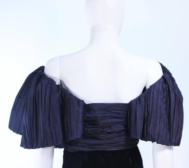 JACQUELINE DE RIBES Gown Navy Bias Velvet and Pleated Bodice Size 6 8 For Sale 4