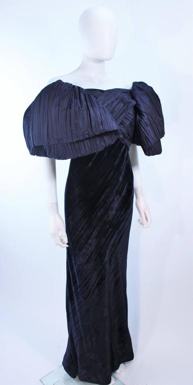 Women's JACQUELINE DE RIBES Gown Navy Bias Velvet and Pleated Bodice Size 6 8 For Sale
