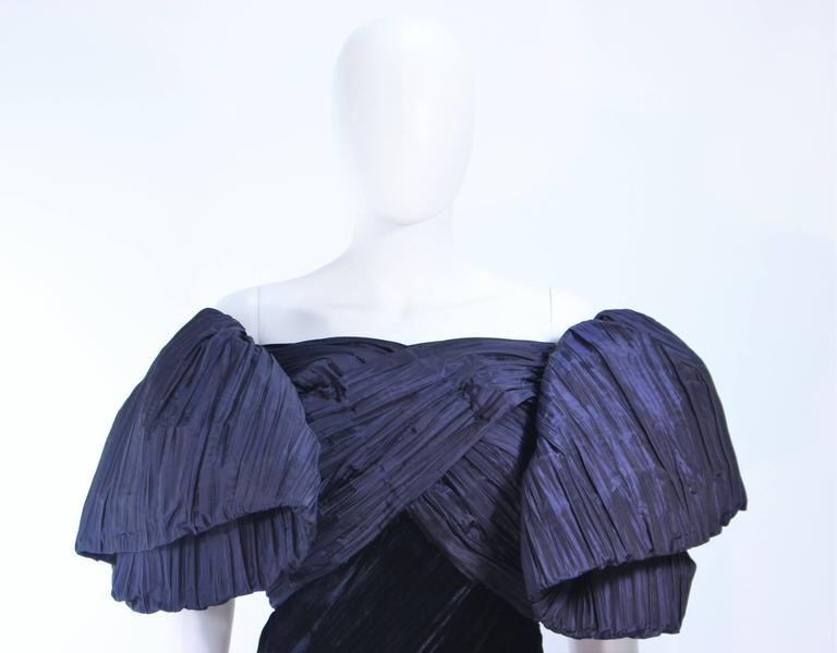 JACQUELINE DE RIBES Gown Navy Bias Velvet and Pleated Bodice Size 6 8 In Excellent Condition For Sale In Los Angeles, CA