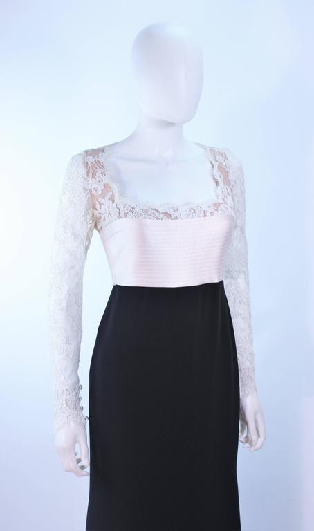 BADGLEY MISCHKA Black and White Lace Gown Size 8 10 For Sale 1