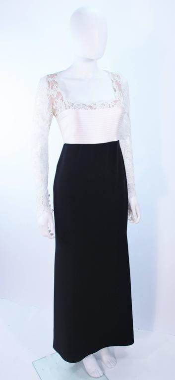Women's BADGLEY MISCHKA Black and White Lace Gown Size 8 10 For Sale