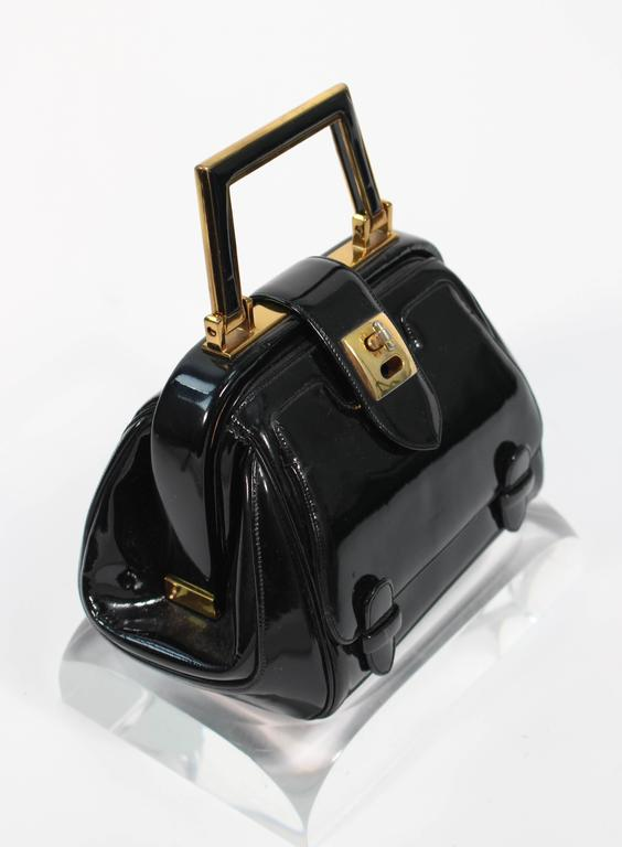JUDITH LEIBER Vintage Rare 1960's Black and Gold Patent Leather Petite Purse  In Excellent Condition For Sale In Los Angeles, CA