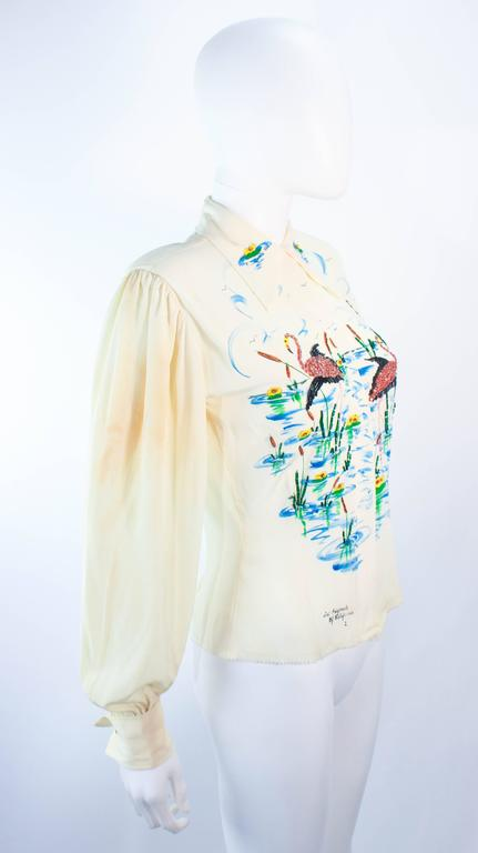 ART ORIGINALS CALIFORNIA 1950s Hand Painted Silk Ivory Blouse Flamingoes & BeadS For Sale 1