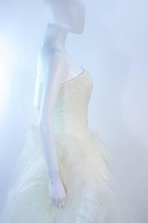 VERA WANG White Tulle & Lace Wedding Gown With Gathered Bustier Size 4 10K 7