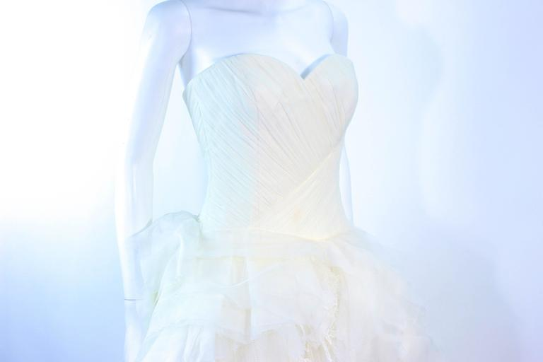 VERA WANG White Tulle & Lace Wedding Gown With Gathered Bustier Size 4 10K 5