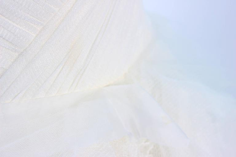 VERA WANG White Tulle & Lace Wedding Gown With Gathered Bustier Size 4 10K 9