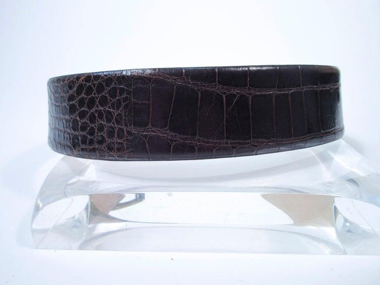Women's DONNA KARAN Brown Alligator Belt with Gold Tone Hardware Size Petite  For Sale