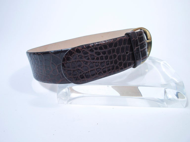 DONNA KARAN Brown Alligator Belt with Gold Tone Hardware Size Petite  In Excellent Condition For Sale In Los Angeles, CA
