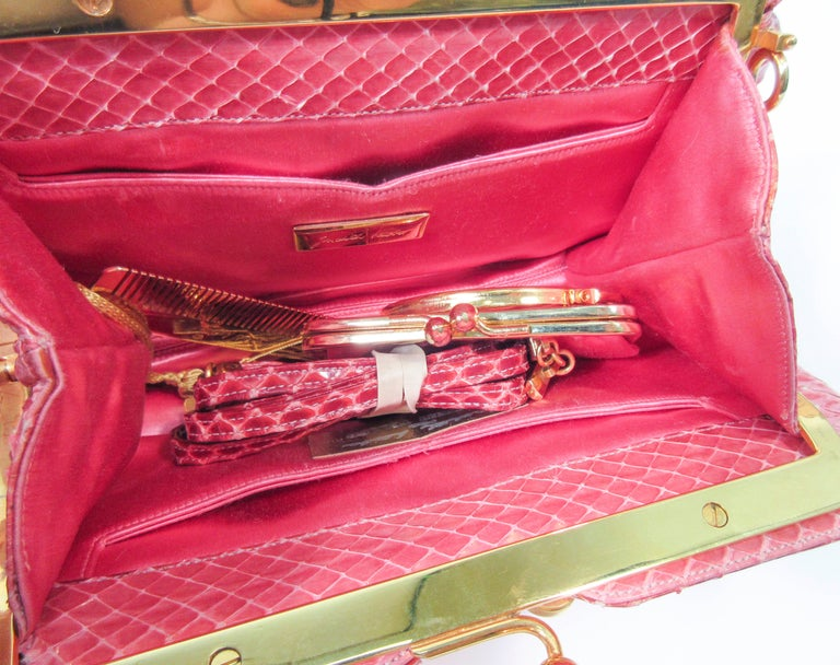JUDITH LEIBER Pink Snakeskin Clutch w/ Optional Strap Mirror Coin Purse  For Sale 5