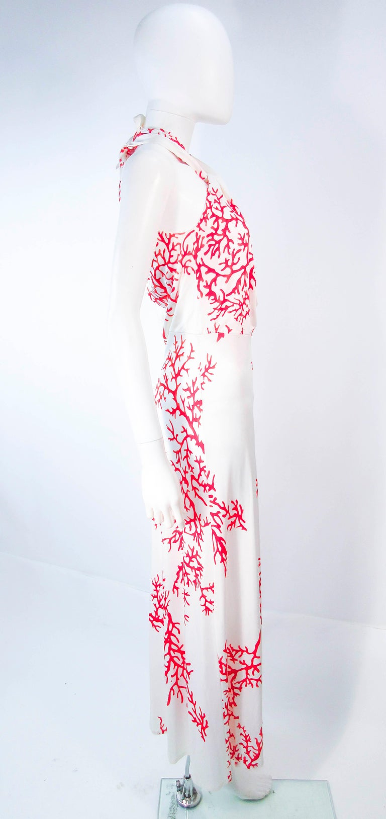VALENTINO White with Red Coral Pattern Criss Cross Jersey Halter Dress Size 42 For Sale 3