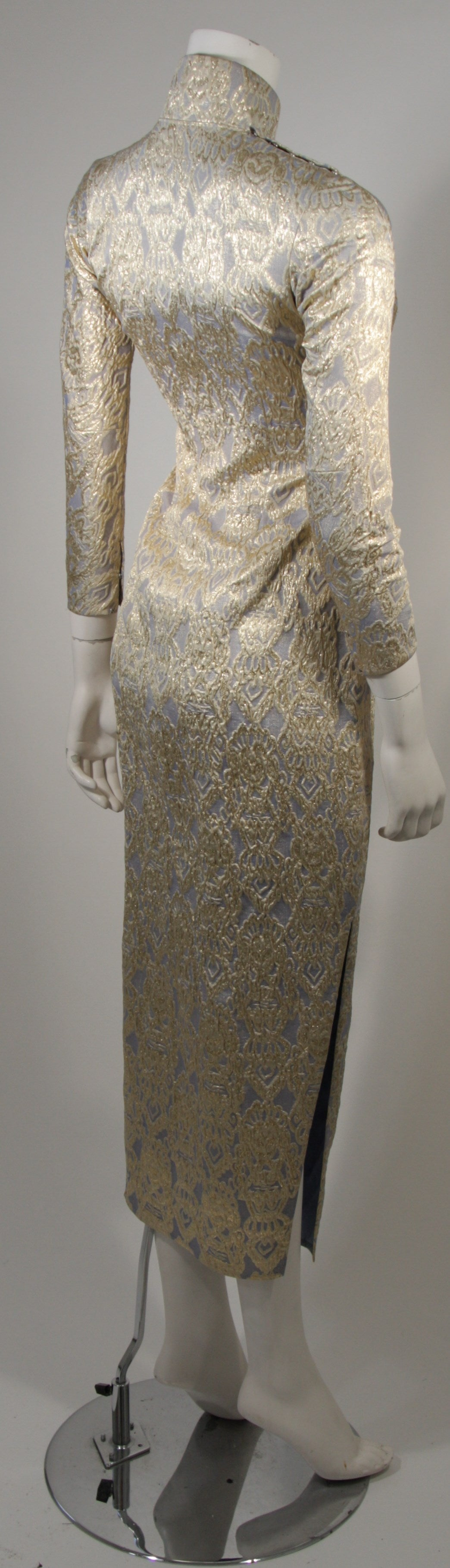Oriental Inspired Pale Blue & Gold Silk Brocade Cheongsam Dress Sz 0-2 For Sale 4