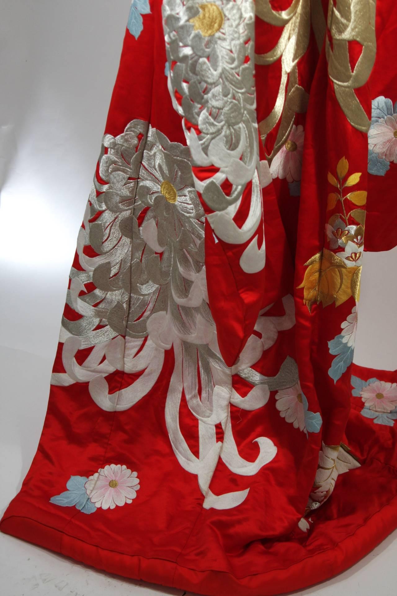 Rare Museum Quality Red Silk Embroidered Kimono W Ivory