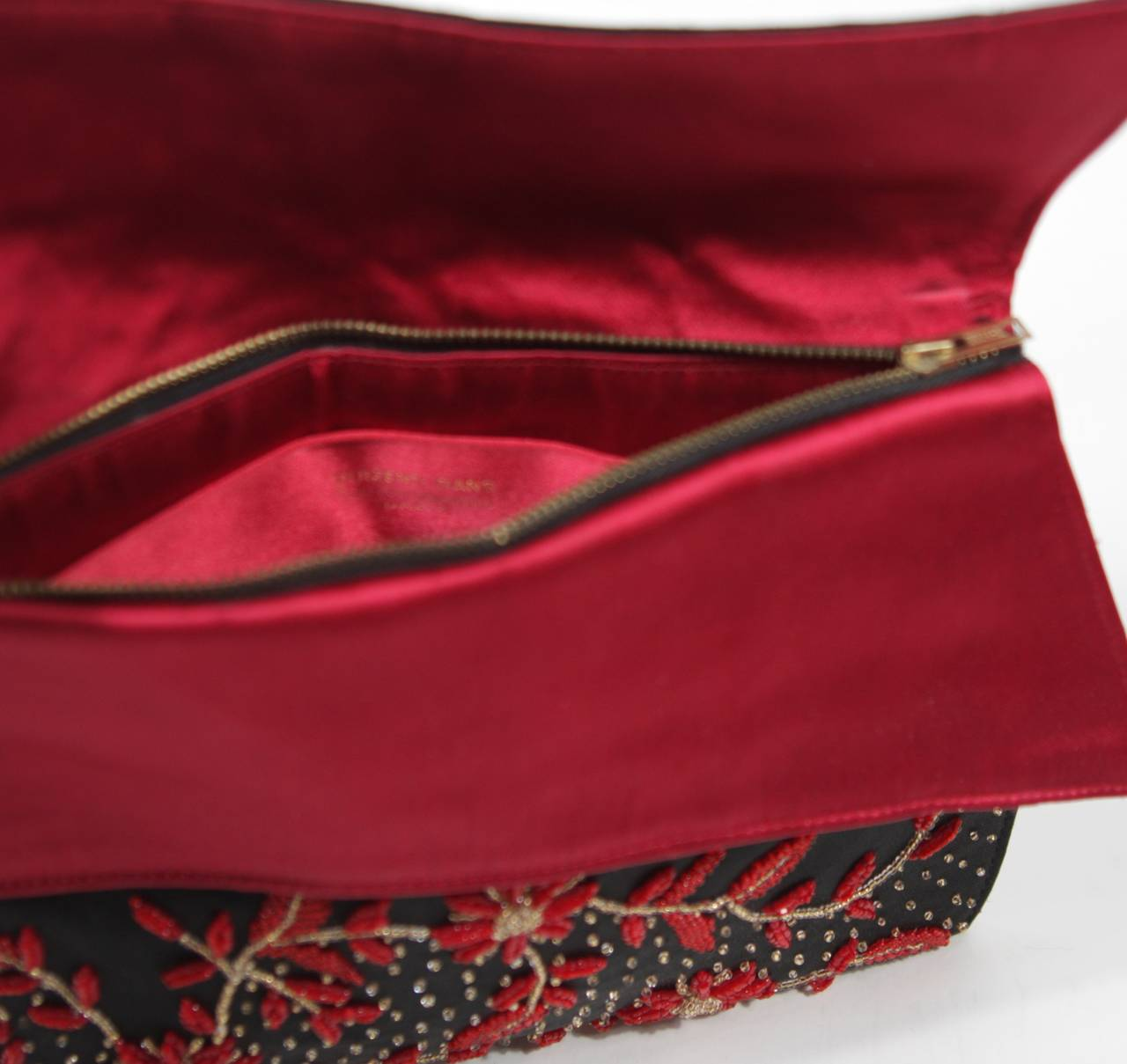 Duizend-Gans Black Beaded Satin Evening Clutch with Red Lining For Sale 2