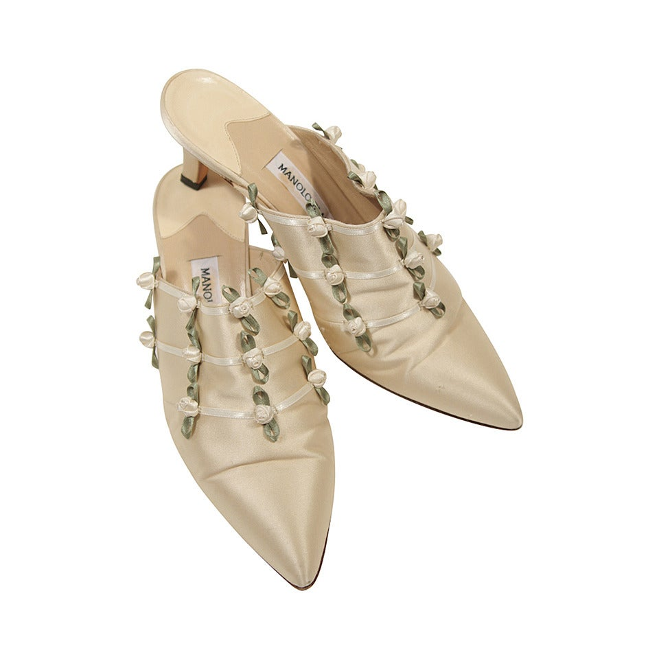 Manolo Blahnik Ivory Silk Bridal Shoe With Floral Accents Size 7 At 1stdibs
