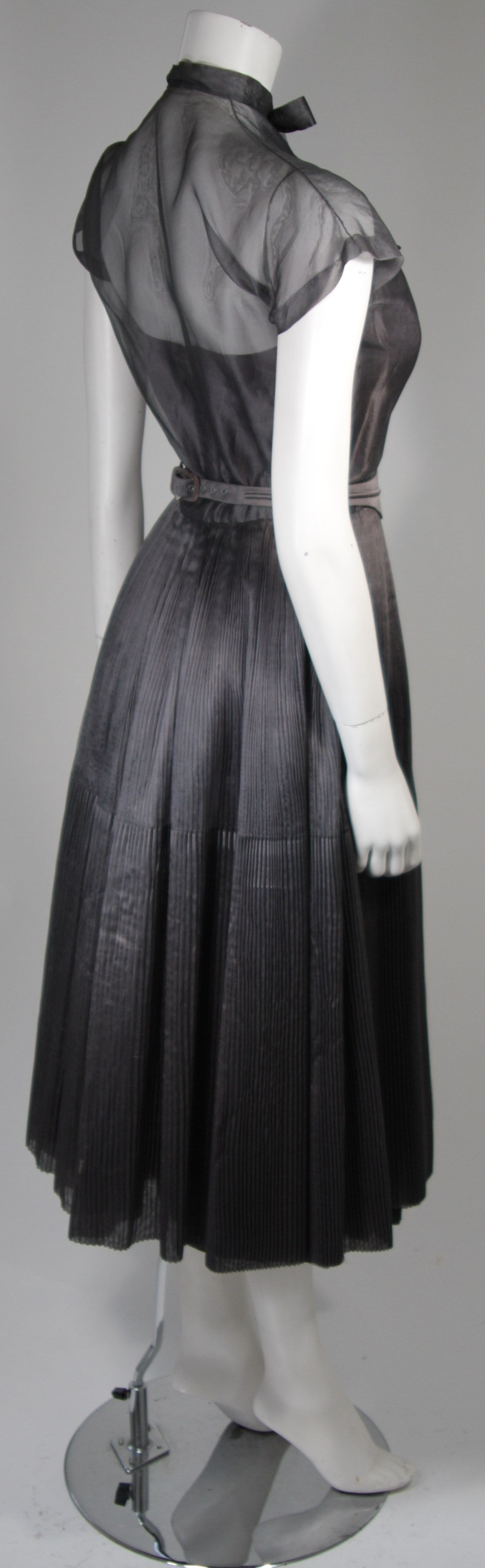 1950's Pedro Rodriguez of Madrid Grey Silk Organza Cocktail Dress Size Small For Sale 1