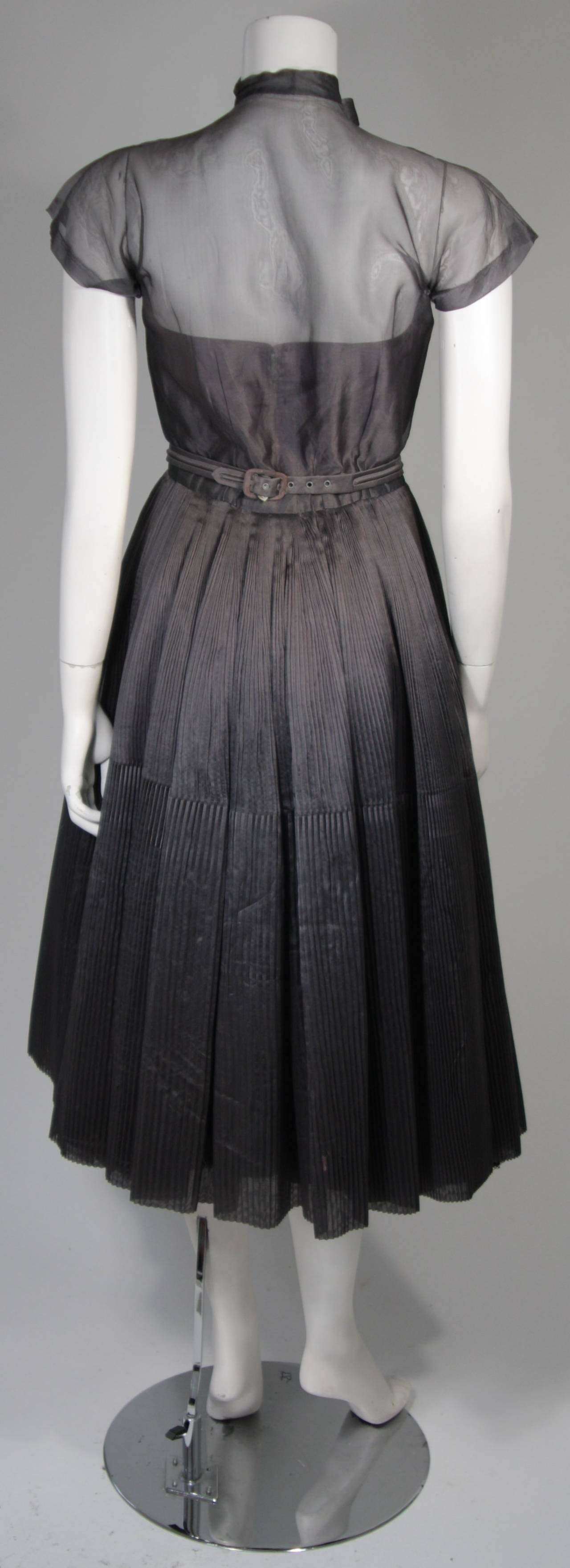 1950's Pedro Rodriguez of Madrid Grey Silk Organza Cocktail Dress Size Small For Sale 2