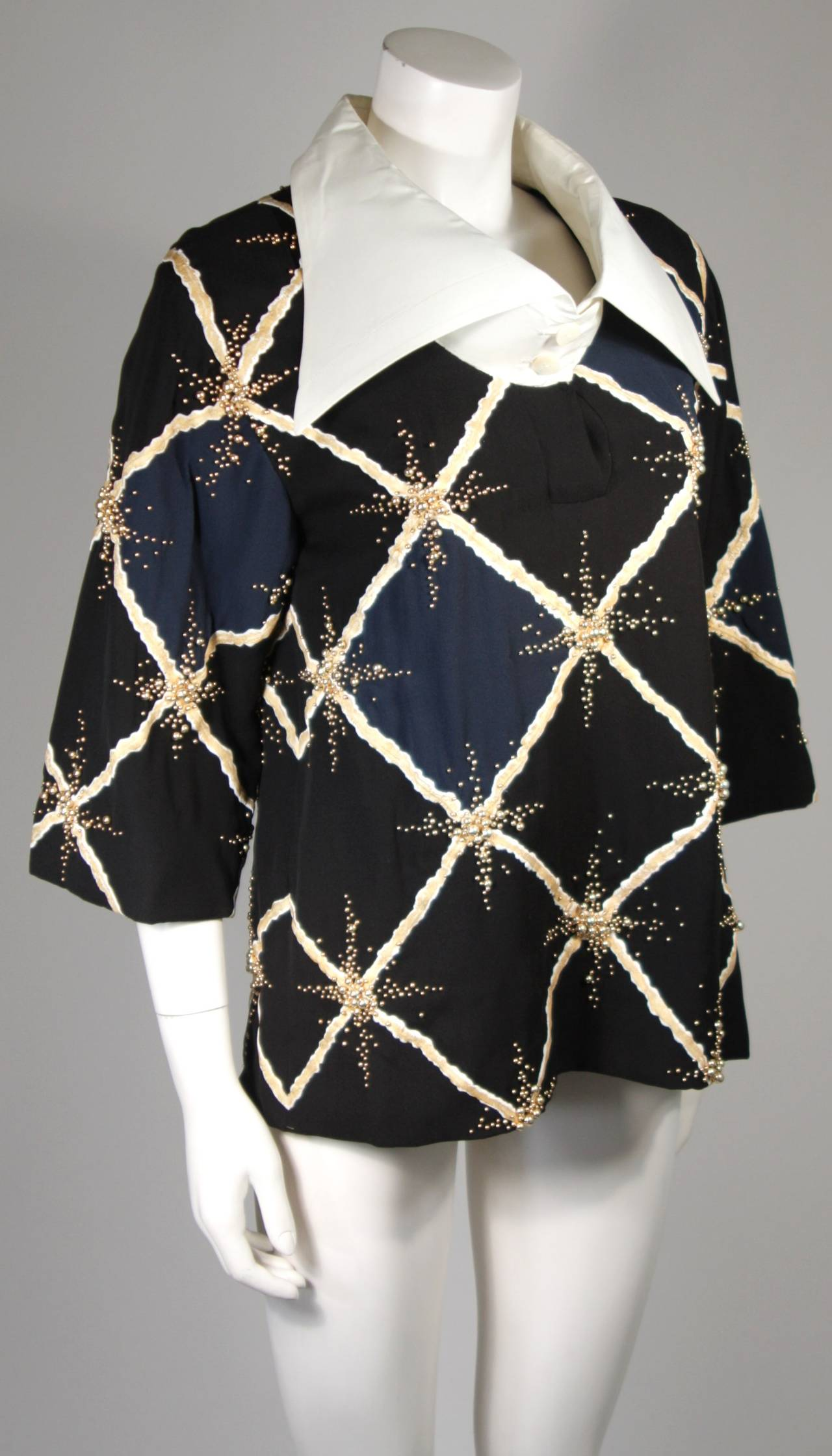 Pierre Balmain Couture Embellished Blouse with Exaggerated Collar  Size Small In Excellent Condition For Sale In Los Angeles, CA