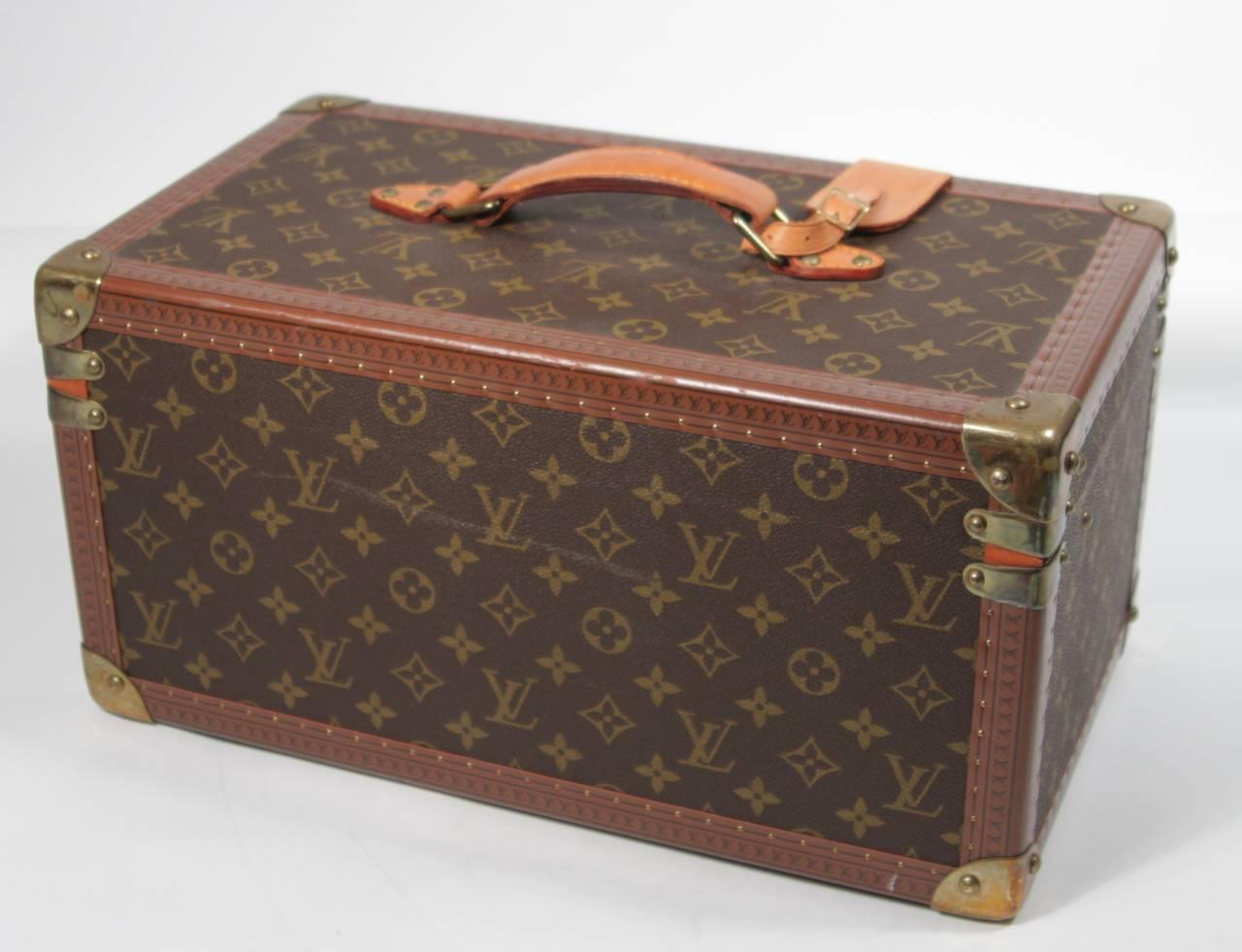 Louis Vuitton Vintage Monogram Cosmetic Travel Train Case  For Sale 2
