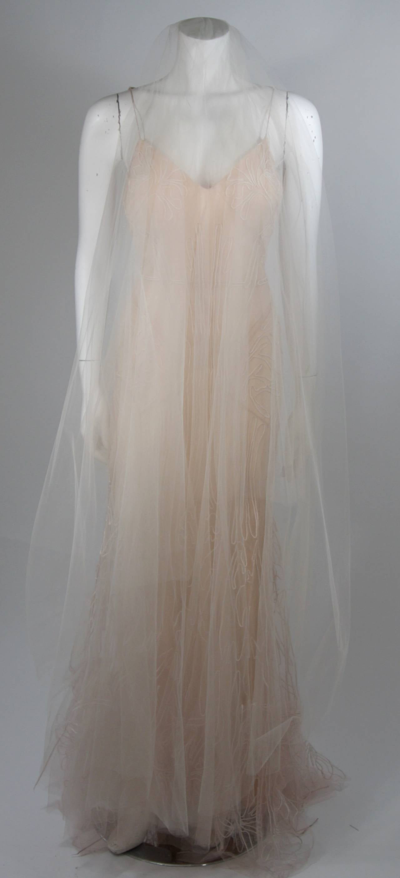 Zac Posen Embroidered Blush Silk Mesh Wedding Gown with Veil Size Small 3