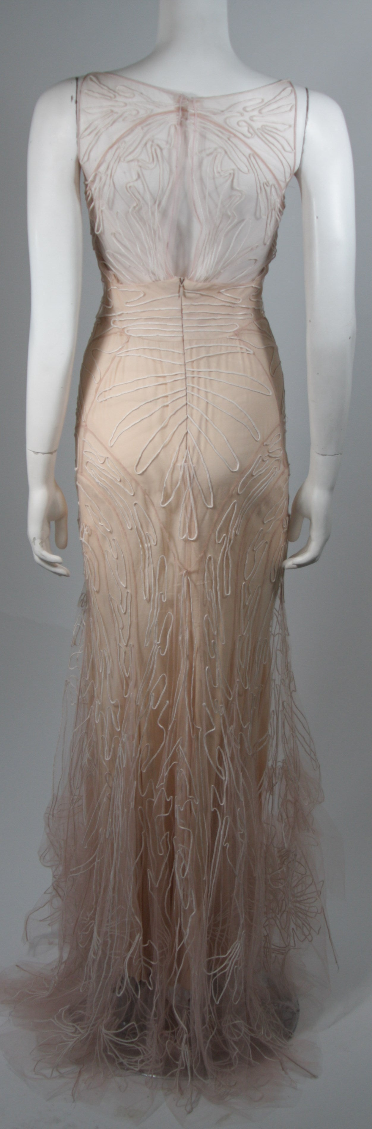 Zac Posen Embroidered Blush Silk Mesh Wedding Gown with Veil Size Small 9