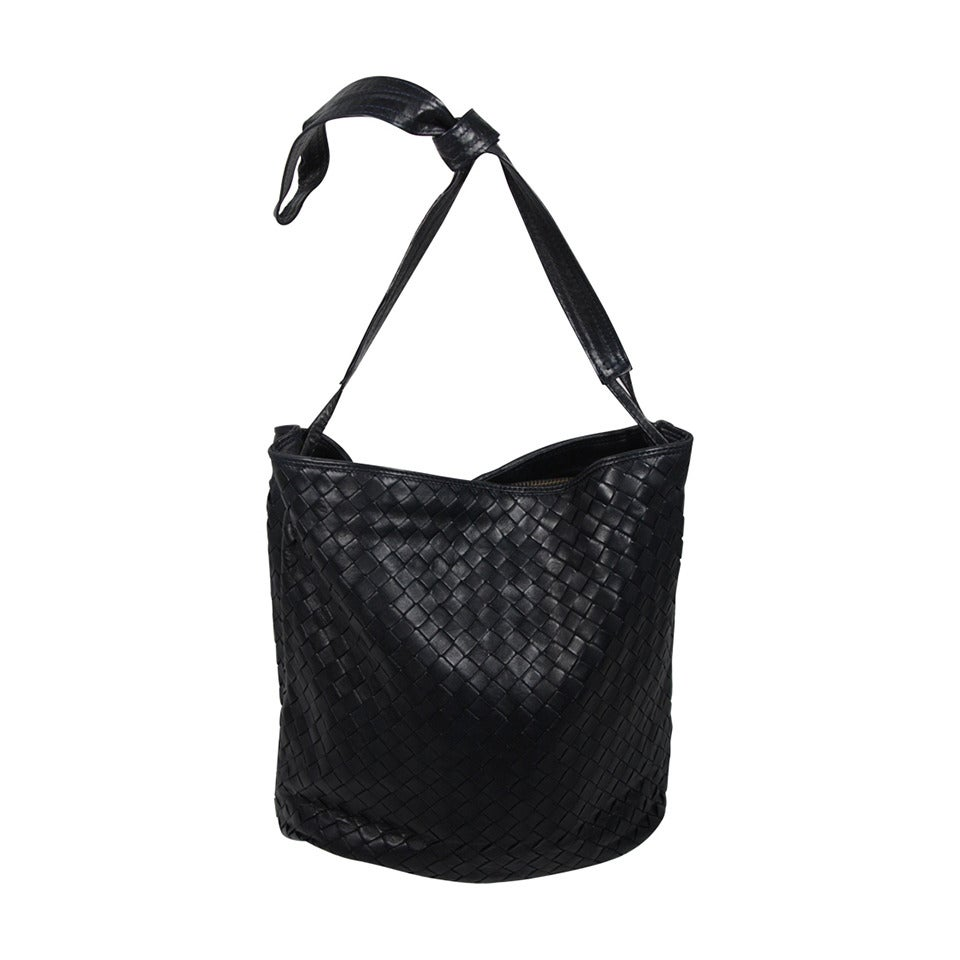d5ded7e06c42 Bottega Veneta Vintage Navy Woven Leather Bucket Style Handbag For Sale
