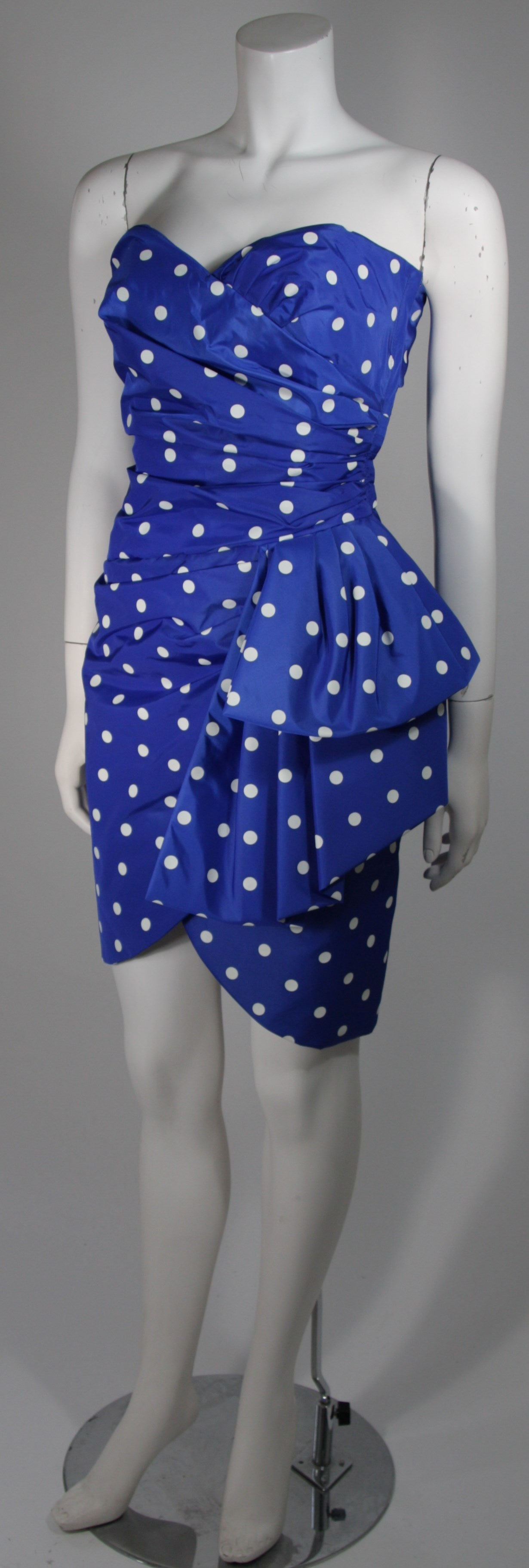 Victor Costa Royal Blue and White Polka Dot Cocktail Dress Size 8 In Excellent Condition For Sale In Los Angeles, CA