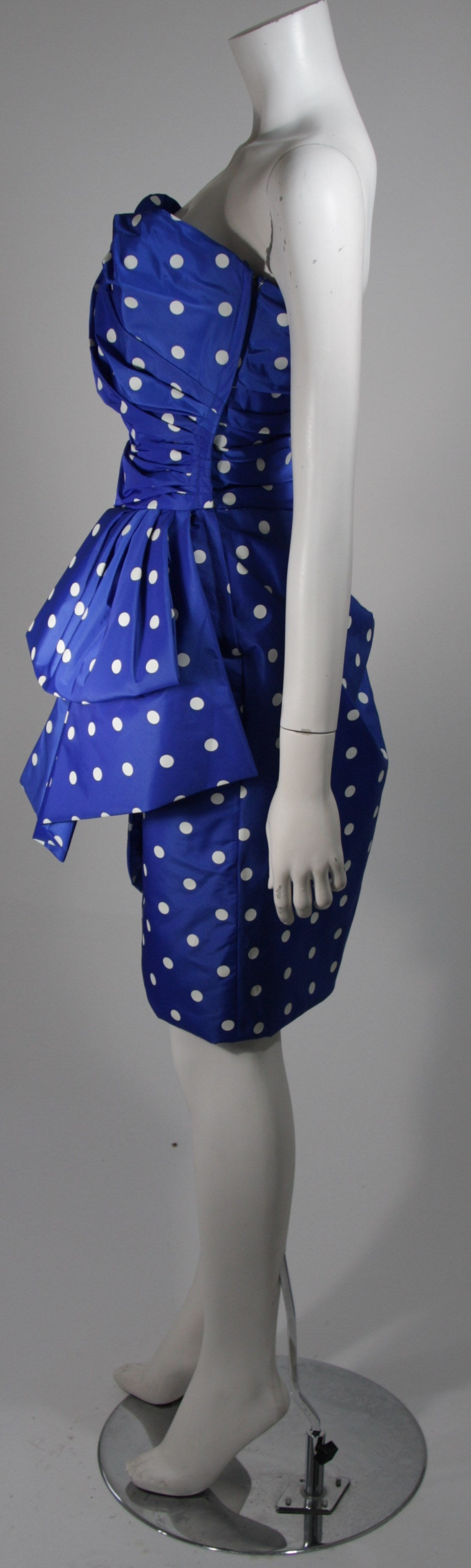 Women's Victor Costa Royal Blue and White Polka Dot Cocktail Dress Size 8 For Sale