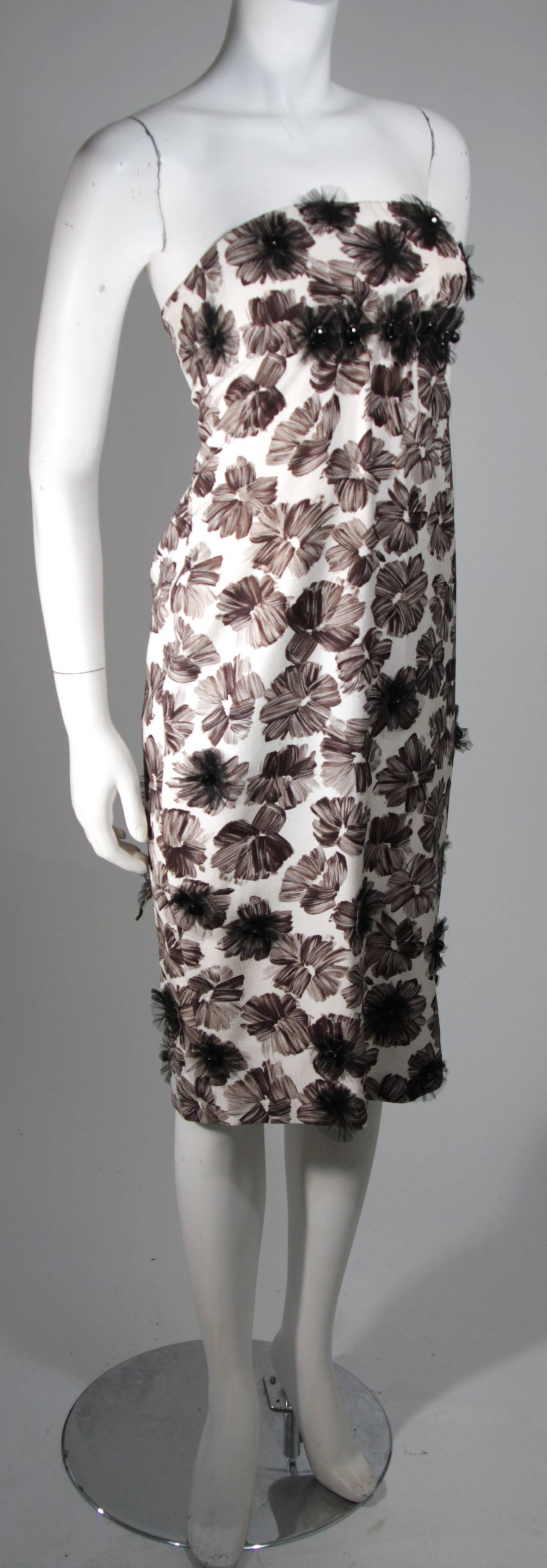 GIAMBATTISTA VALLI White Strapless Floral Print Rhinestone Detail Dress Size 40 In New Condition For Sale In Los Angeles, CA