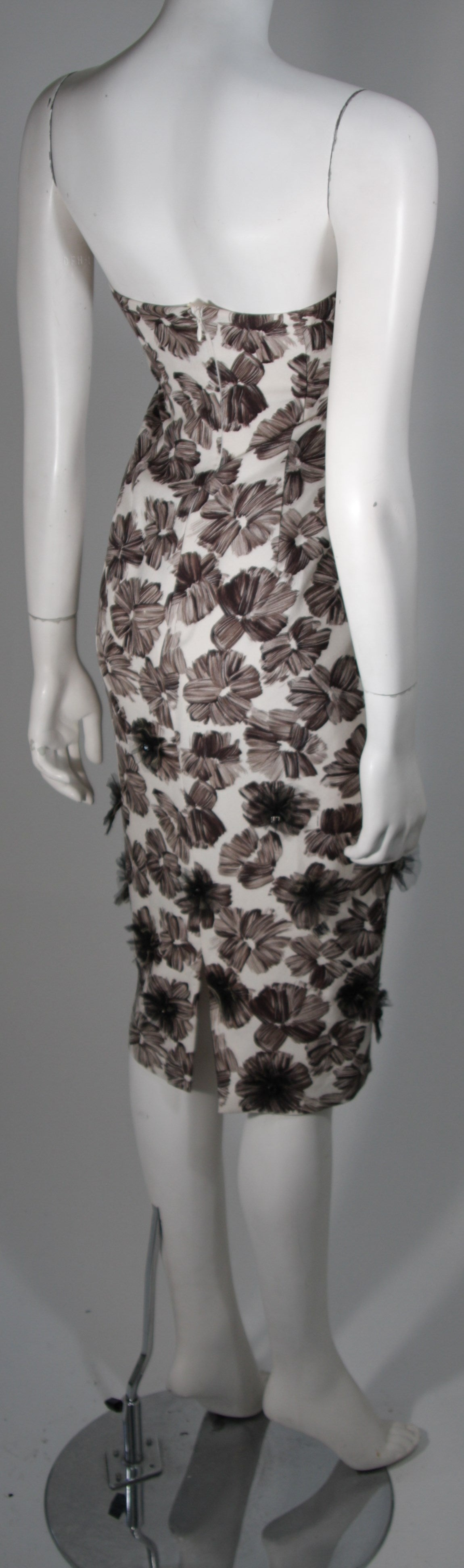 GIAMBATTISTA VALLI White Strapless Floral Print Rhinestone Detail Dress Size 40 For Sale 1