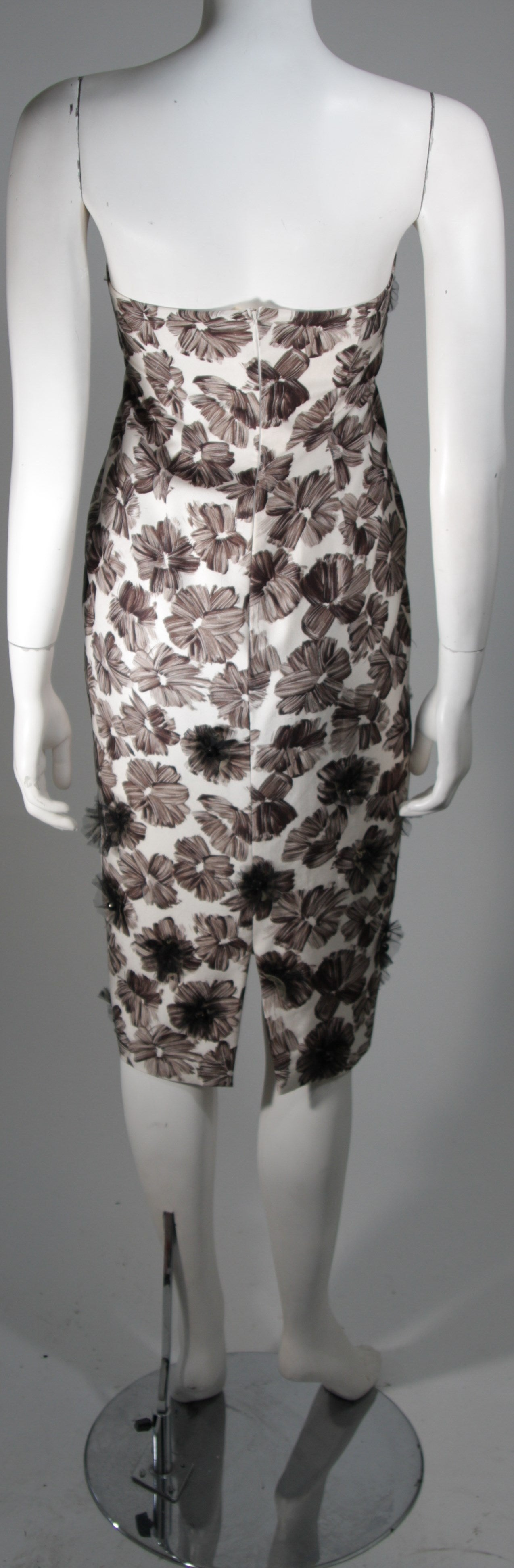 GIAMBATTISTA VALLI White Strapless Floral Print Rhinestone Detail Dress Size 40 For Sale 2