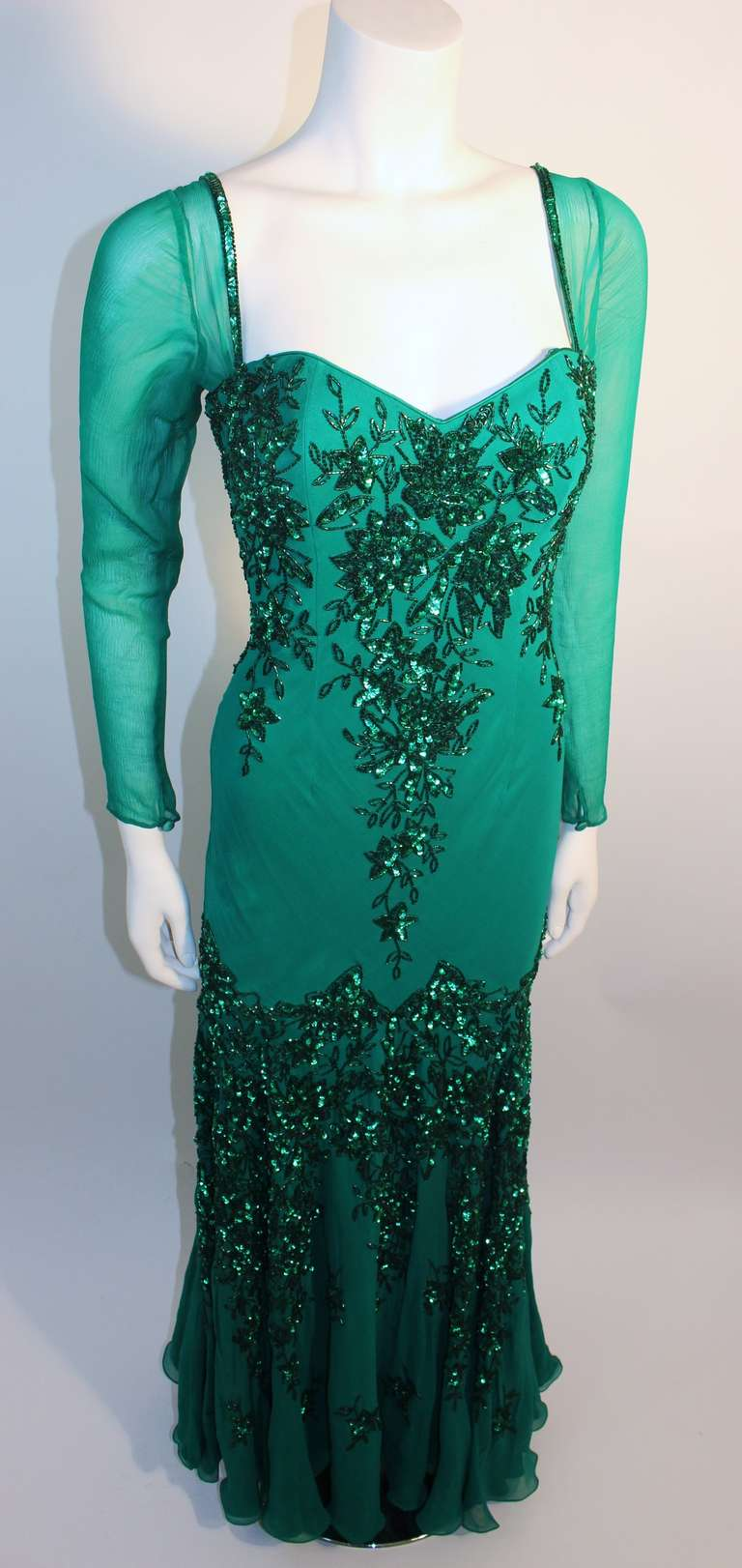 Stunning Eavis And Brown London Emerald Green Gown With