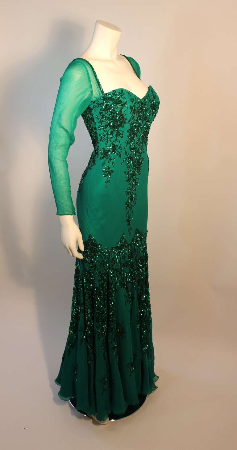 Stunning Eavis & Brown London Emerald Green Gown with Matching Wrap 4